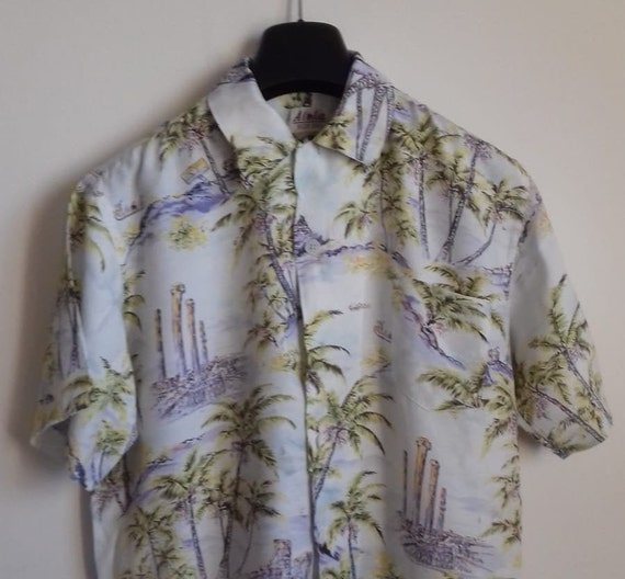 50s Hawaiian Shirt / Rayon vintage shirt / label