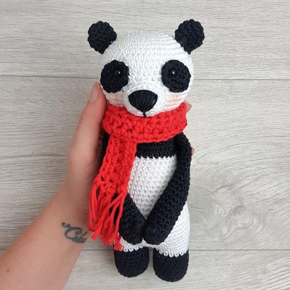 Panda Amigurumi Häkelanleitung von Little Bear Crochets   570x570
