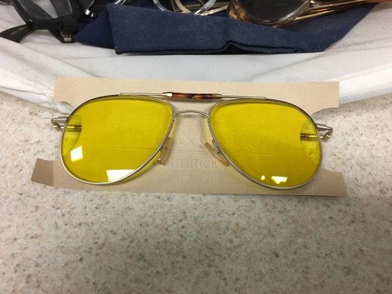 Shooter yellow sunglasses