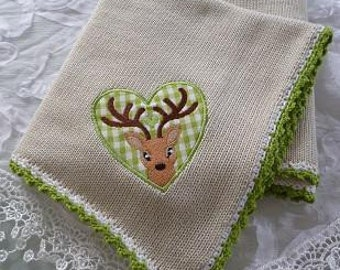 Baby Blanket, knitting blanket, cover knitted, cuddly blanket, wagon blanket, country house, deer, stop application deer, application deer, embroidery