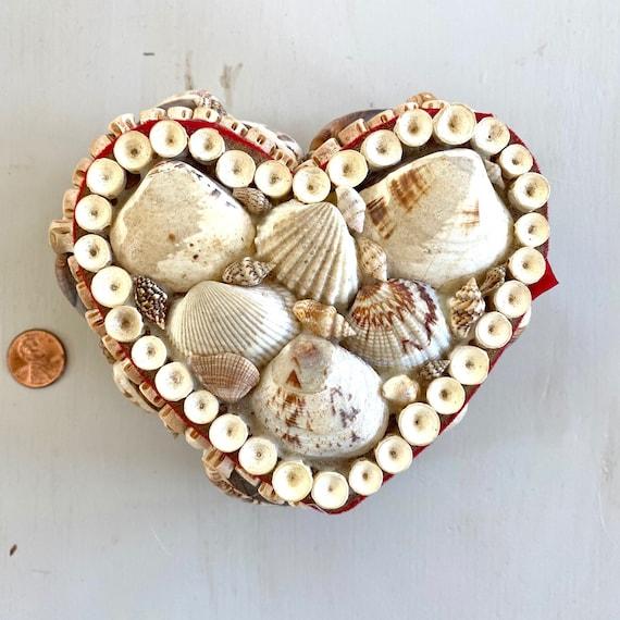 Retro Shell-Decorated Jewellery Box Natural Seashells Valentine Heart-Shaped Kitsch Trinket Box 1960s Seaside Souvenir