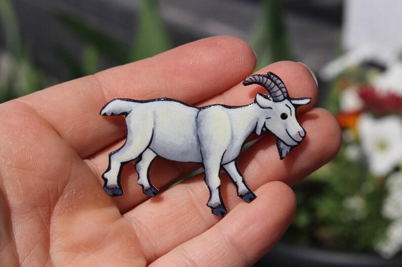 Goat magnet: Gift for Saanen goat lovers or goat loss memorial Cute farm  animal magnets for car locker or fridge