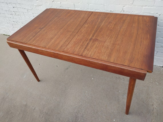 Mid Century Modern Rosewood Dining Table with Hidden Leaf