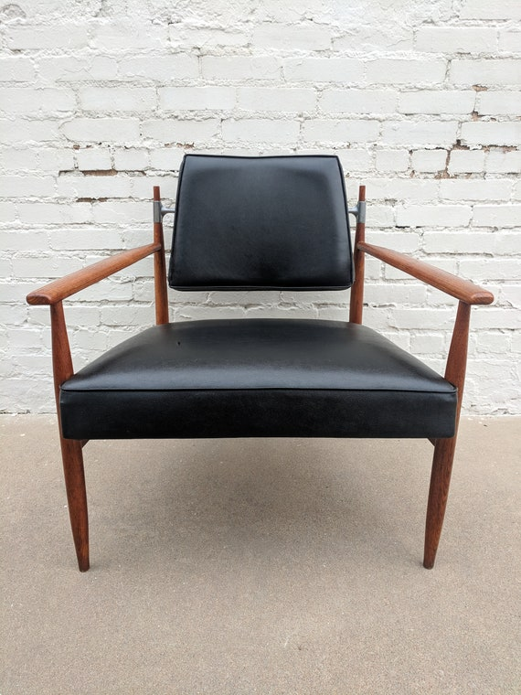 Mid Century Modern Oak and Vinyl Chair with Aluminum Trim