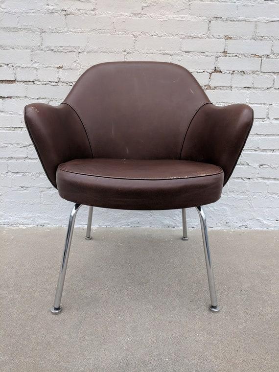 Mid Century Modern Knoll Saarinen Leather Executive Chair