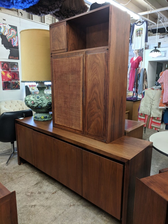 Mid Century Modern Dillingham Credenza and Hutch