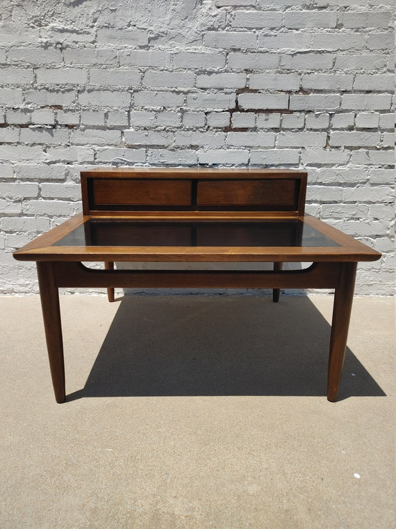 Mid Century Modern American of Martinsville Side Table