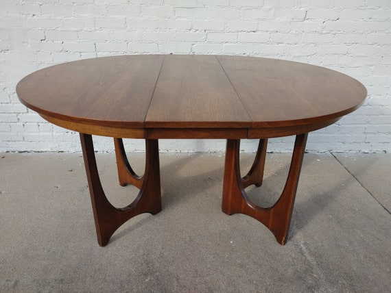 Mid Century Modern Broyhill Brasilia Dining Table And Chairs