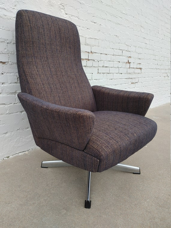 Mid Century Modern Chrome Base Swivel Rocker