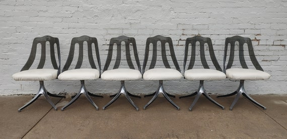 Mid Century Modern Lucite and Chrome Dining Chairs
