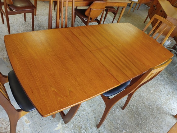 Mid Century Modern Sled Base Dining Table
