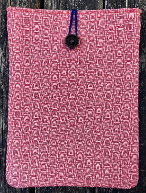 Ipad cover. Ipad case. IPad Air cover. Made from vintage kimono fabric and vintage bakelite button.