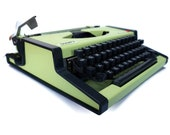 Retro Typewriter. Green O...