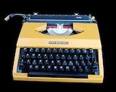 Working Vintage Typewrite...