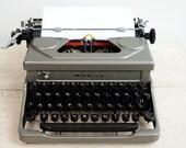 Working typewriter with c...