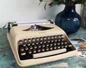 Working Typewriter for Da...