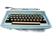 Vintage Typewriter in Bab...