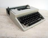 Retro Designer Typewriter...