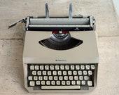 Retro Mercedes Typewriter...