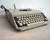 Retro Mercedes Typewriter...