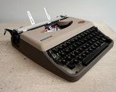 Vintage Portable Typewrit...
