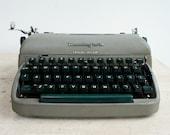 Vintage Remington Portabl...