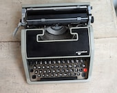 Working Retro Typewriter....