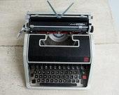 Working Retro Typewriter....