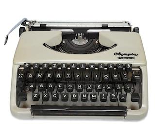 1960's Typewriter, Classic Olympia Typewriter Splendid 33 Portable Working Typewriter