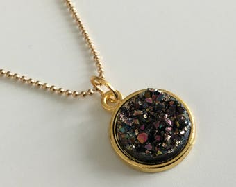 Golden druzy necklace , galaxy necklace , gold jewellery , druzy , pendant , space , galaxy , crystal , cute jewellery , gifts