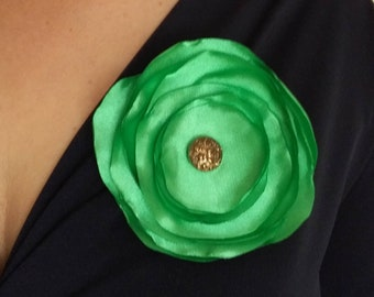 Classic flower-shaped fabric brooch, handmade