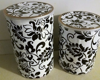 Recycled containers for decoration. Lot of 2 units.