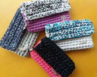 Purse wallet or mobile case, handmade in thread of fabric. Several models.