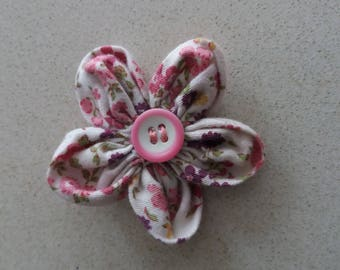 Fabric brooch, flower-shaped adorned with button. Handmade.