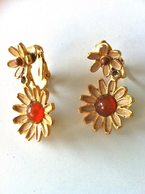 Weiss Daisy Earrings 1960's/Designer Earrings/Ambe