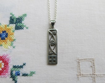 Silver Mackintosh style pendant necklace