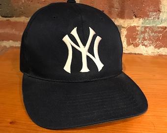 Vintage New York Yankees Plain Logo Snapback Hat Adjustable MLB Baseball  Twins Enterprises 2f3f94b421b
