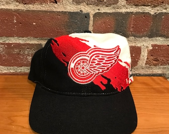Vintage Detroit Red Wings Paint Splash Snapback Hat Adjustable By Logo  Athletic a76e2ccd4eff
