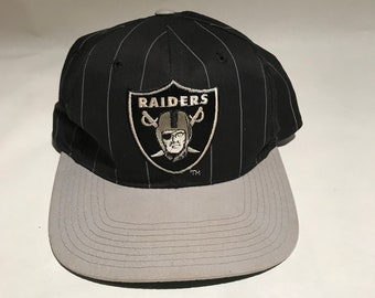 Vintage Oakland Raiders Pinstripe Snapback Hat Adjustable 90s Black Grey  Starter aecdd285d7c