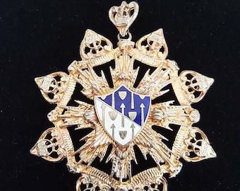 Cross Crest Heraldry Pendant