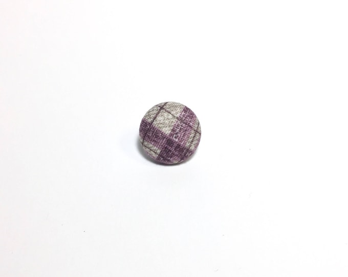 """Criss-Cross"" Plaid Lapel Button"