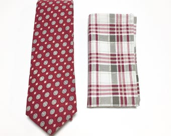 """The """"Stars Reaction"""" Tie and Square Pack"""