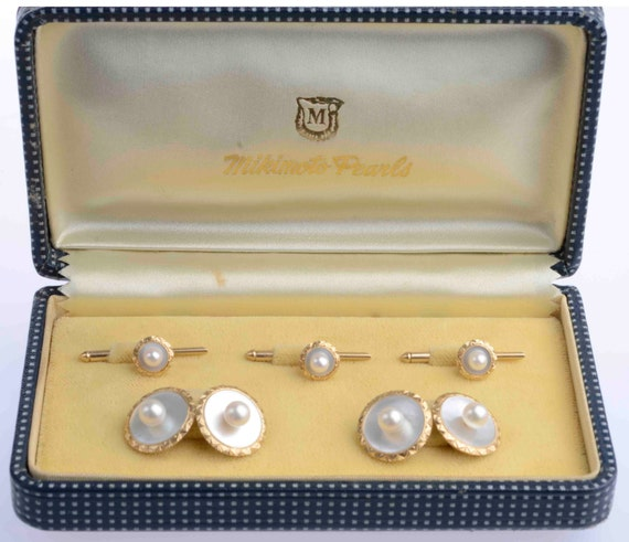 Mikimoto 14K Gents Akoya and Mother of Pearl Dress