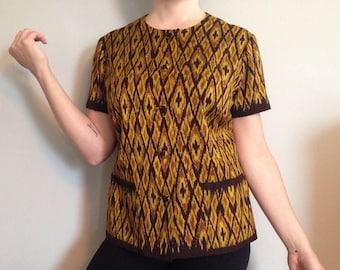 Asian silk shirt  69fcd8597