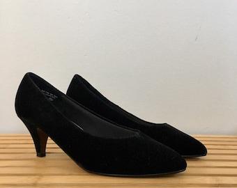 a5e25776a377c Free US Shipping | 90s Vintage Black Velvet High Heels Pumps | US Size 7