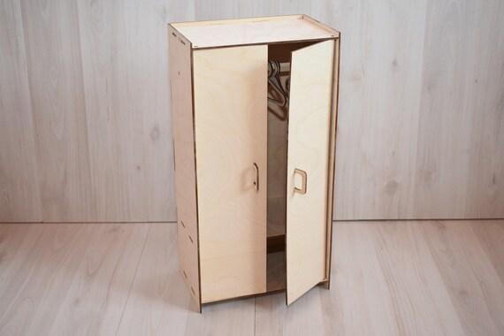 Mobili Per La Casa Di Barbie : Armadio di casa delle bambole mobili in legno di barbie etsy