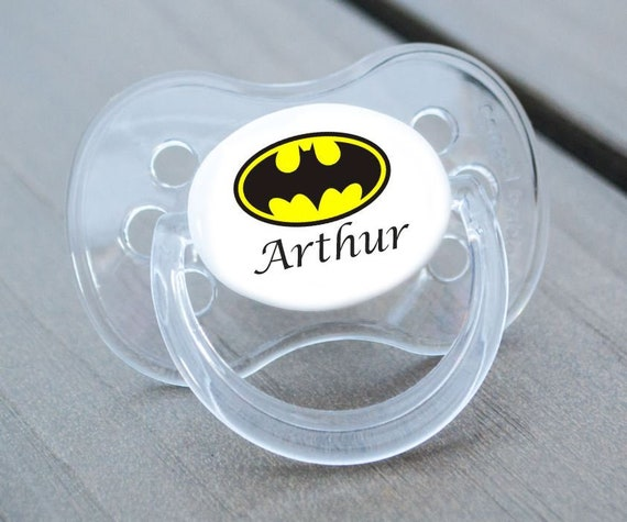 ALL TEATS,SIZES /& COLOURS CARTOON FONT BOY PERSONALISED DUMMY PACIFIER SOOTHER