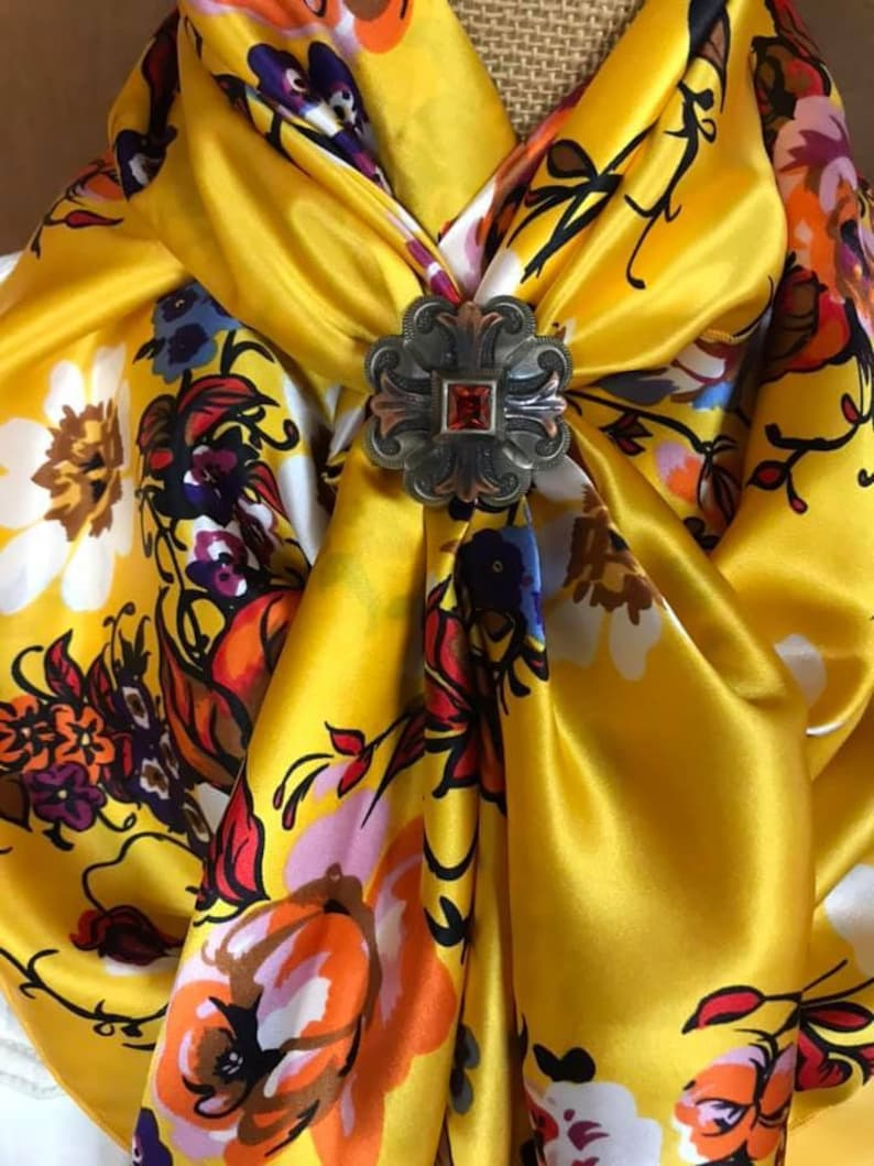 Black Pink 100/% SILK CHARMEUSE Yellow and White Floral on a Red Background 63SILK Blue