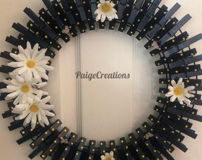 Daisy wreath, clothespin wreath, spring wreath, summer wreath, flower wreath, white daisy wreath