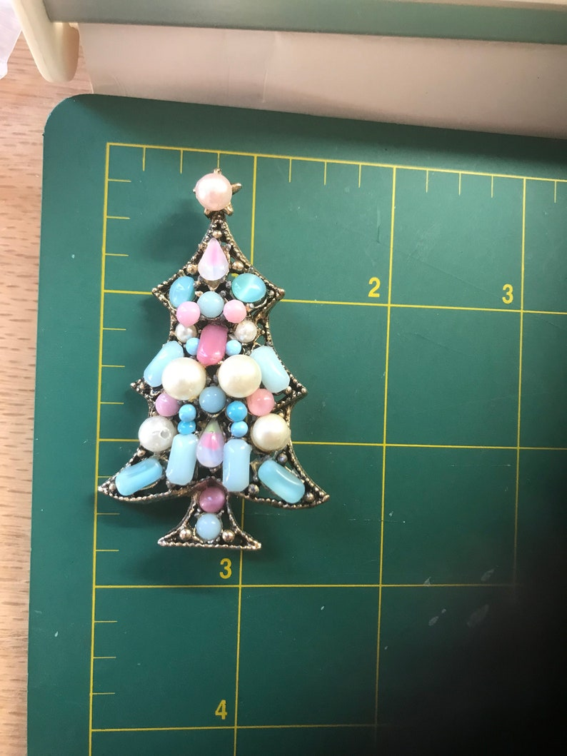 Pastel Pink and Blue Moonglow Cabochon and Faux Pearl Christmas Tree Pin